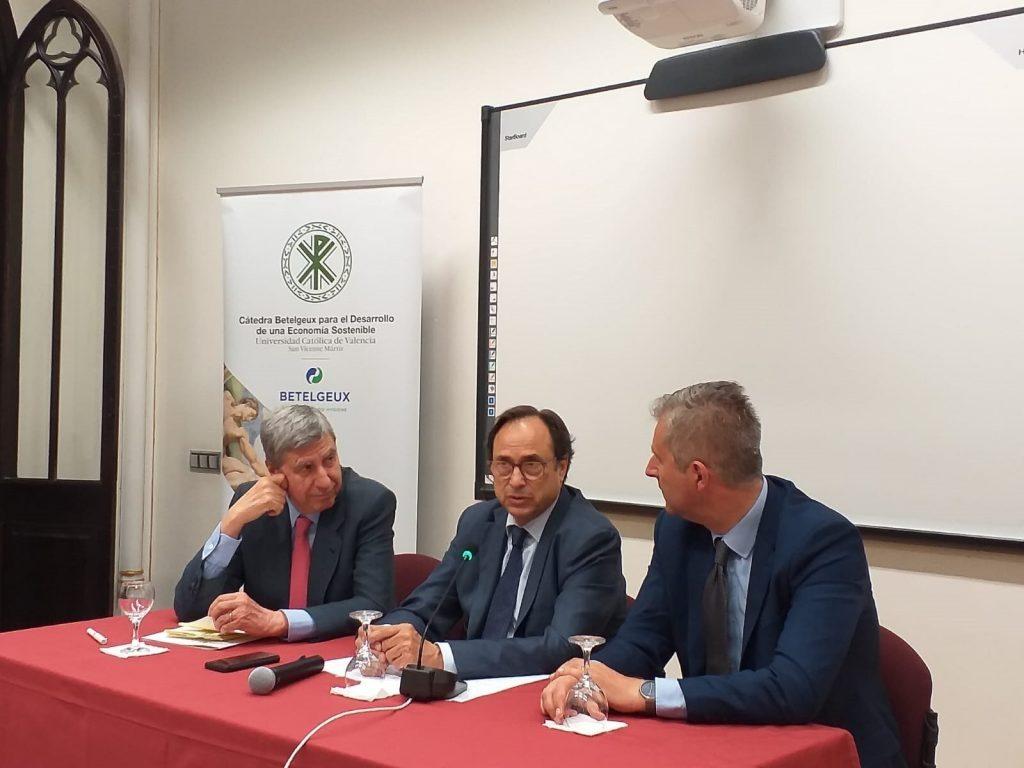"""Ciclo de conferencias sobre """"Las Políticas Macroeconómicas y el nuevo escenario en Europa"""" de la Cátedra BETELGEUX-CHRISTEYNS."""